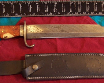Custom Handmade Damascus Steel Hunting/Bowie Knife with top grain leather sheath