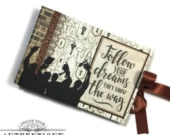 Criss Cross Accordion Graduation Pocket Mini Album - Accolade