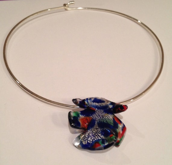SJC10221 - Multi colored (red, blue, green) venetian glass pendant and silver necklace/choker