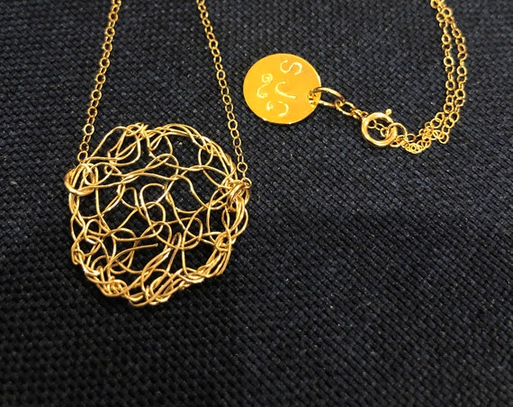 SJC10492 - Handmade 14K gold filled wire crochet circle necklace with chain