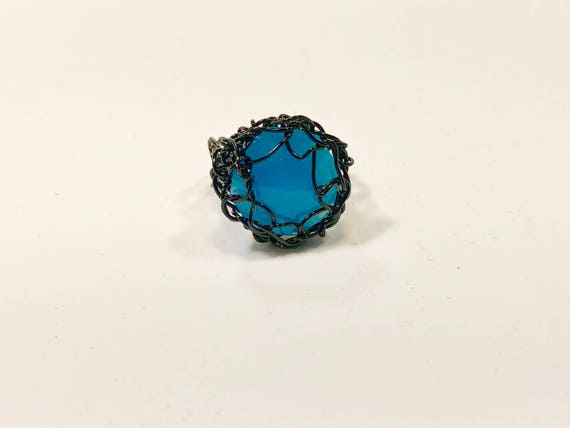 SJC10119 - Handmade black wire crochet ring with blue chandelier crystal prism