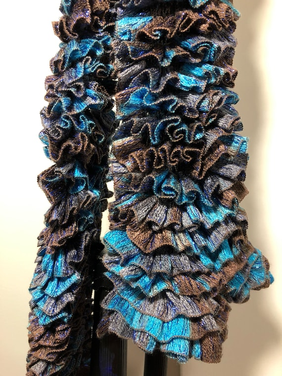 SJC10109 - Handknit - Ruffled Scarf brown and blue 100% acrylic