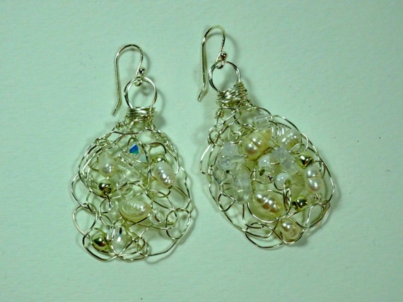 SJC10215 - Handmade wire crochet earrings with pearls