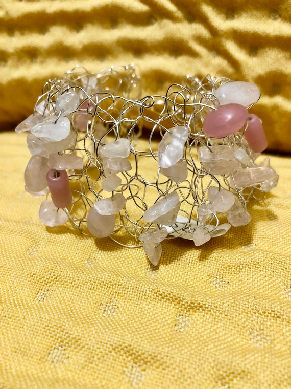 SJC10304 - Handmade sterling silver wire crochet cuff bracelet with pink glass beads and quartz gemstones