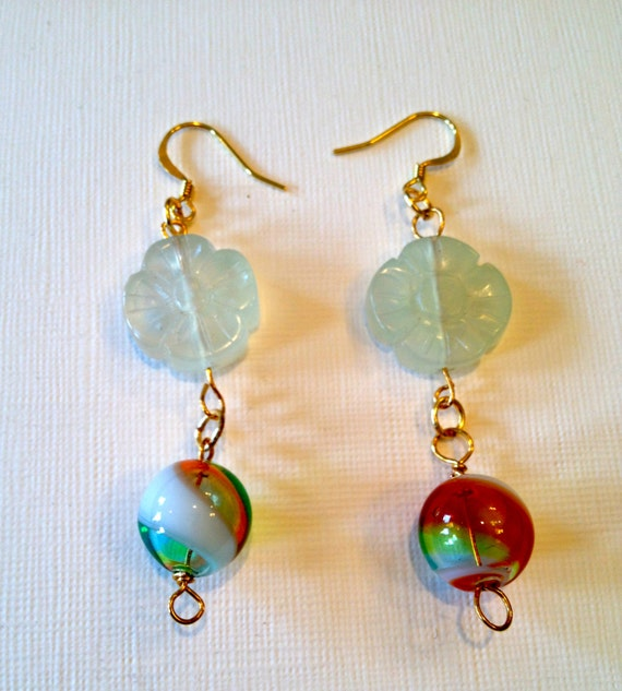 SJC10049 - Earrings with mutlicolors round glass bead and a white flower translucent glass bead.