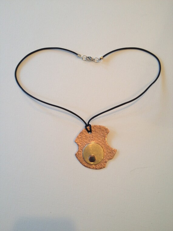 SJC10023 - Copper, Brass and antique-look copper asymmetric round pendant necklace.