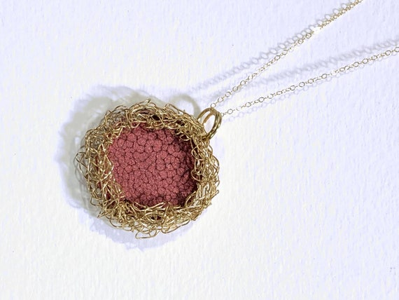 SJC10187 - Necklace - gold plated wire crochet bezel for red enamel painted round copper disc reversible pendant and gold plated chain