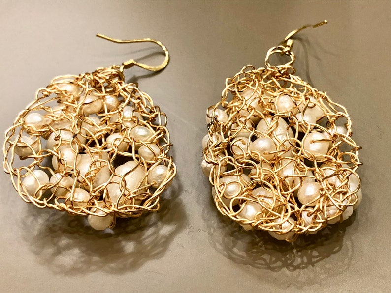 Handmade 14K gold filled wire crochet earrings with white fresh water pearls SJC10113