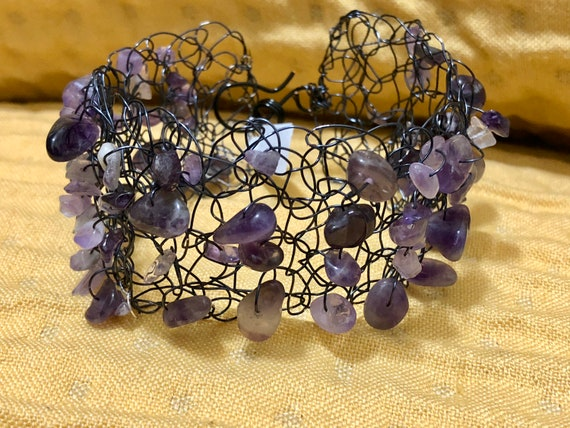 SJC10303 - Handmade black wire crochet cuff bracelet with purple amethyst gemstone chips