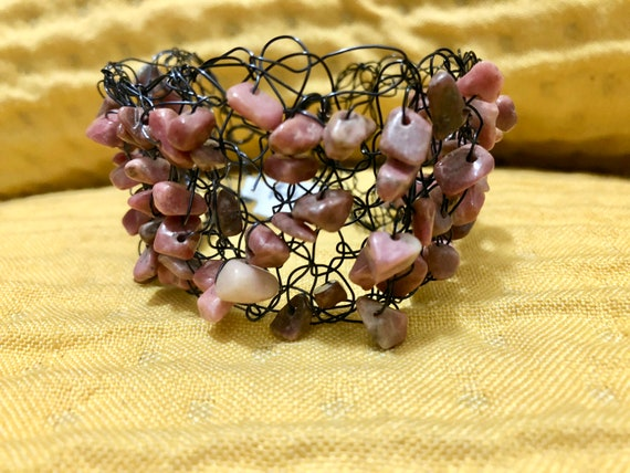 SJC10303 - Handmade black wire crochet cuff bracelet with pink rhodochrosite gemstone chips