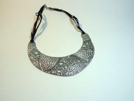 SJC10286 - Vintage metal lace-like large pendant necklace with black suede multi-strand cord