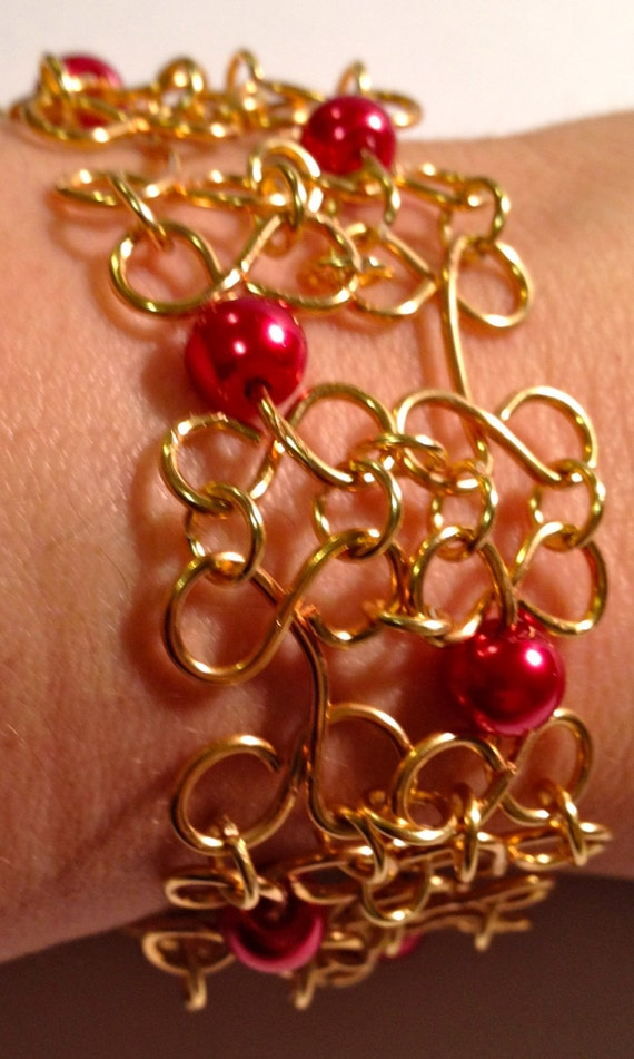 SJC10025 - Dark red pearls with gold-plated wire work bracelet
