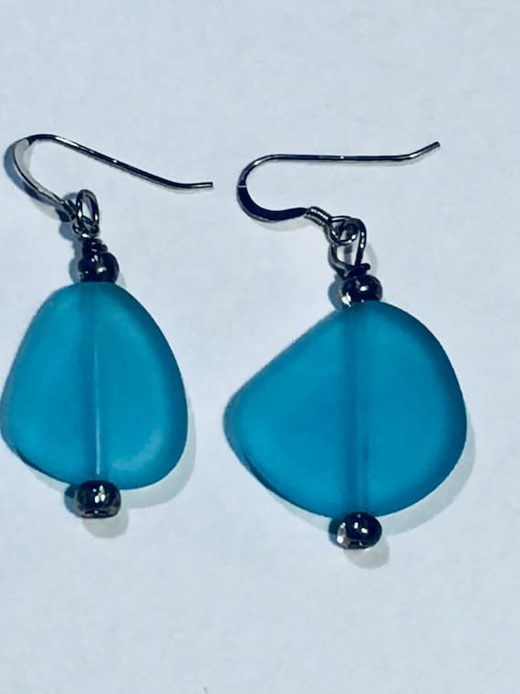 SJC10269 - Triangular - SJC10018 - blue sea glass earrings with silver-plated ear wires