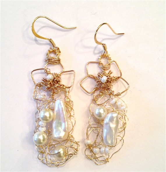 SJC10078 - handcrafted unique pearl earrings, metal crochet earrings, bead earrings, spring, unique wire wire chandelier gold earrings