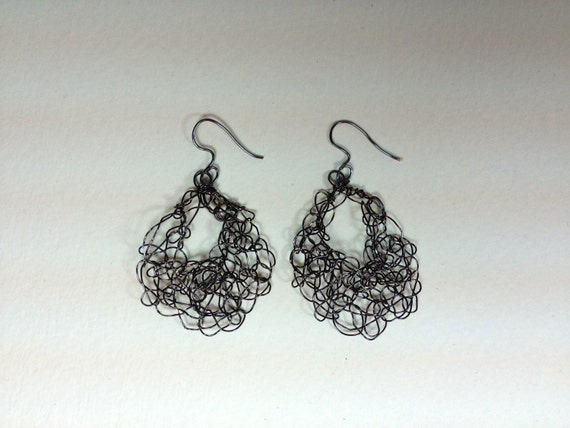 SJC10117 - Handmade black craft artistic wire crochet earrings.