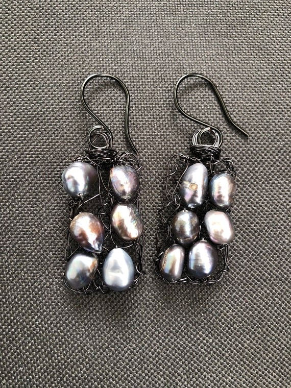 SJC10366 - Handmade rectangular black wire crochet earrings with gray fresh water pearls