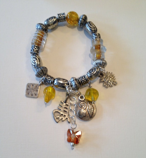 SJC10016 - Charms and beads bracelets - red, yellow or blue