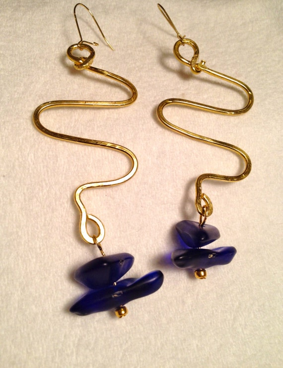 SJC10011 - Brass earrings with flattened wire work and dark blue asymmetric glass beads