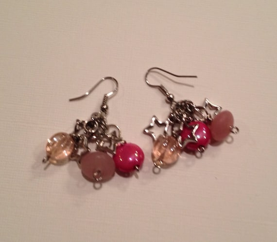 SJC10238 - Pink beads and metal star earrings.