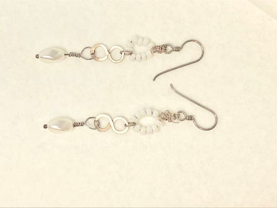 SJC10234 - Pearl beads and silver wire work earrings