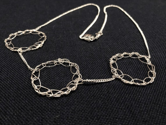 SJC10482 - Handmade 3-ring sterling silver wire crochet necklace with chain