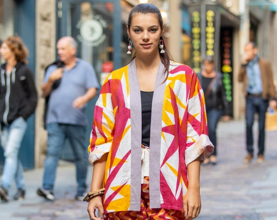 "Colorful linen kimono with bicolor floral prints ""Imbali"""