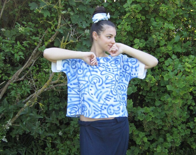 "Linen t-shirt ""Air"" hand painted in abstract blue graffiti"