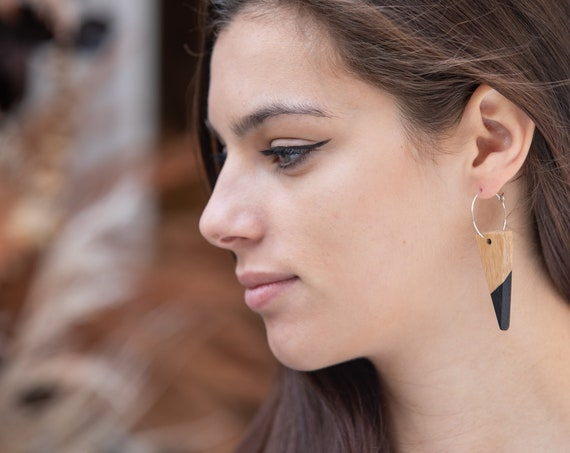 Wood triangle earrings with black tip, with silver brass hoops