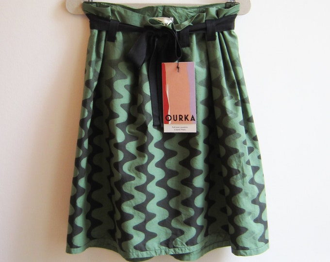 "Hand painted skirt ""Acoma"" in green popeline, adjustable waist"