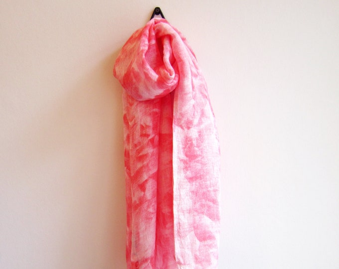 "Linen hand painted scarf ""Corail"" with red abstract print"
