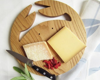 Chopping board, crab in chestnut wood, large size, kitchen crab