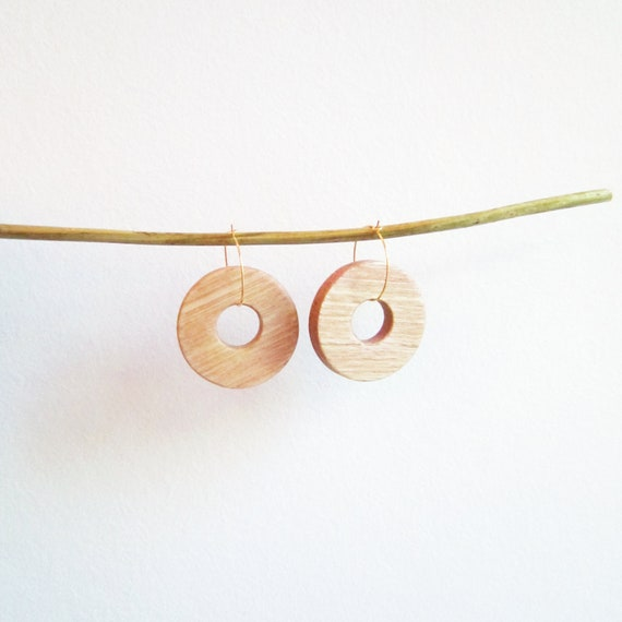 Round natural wood earrings, with golden brass hoops