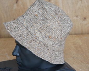 55f079bd2447b Donegal Tweed Bucket Hat  David Hanna   Sons  Made in Ireland  Beige Hat   1960s Mens Size 7  Session Hat