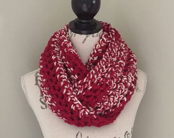 Chunky crochet infinity scarf, red / white crochet scarf