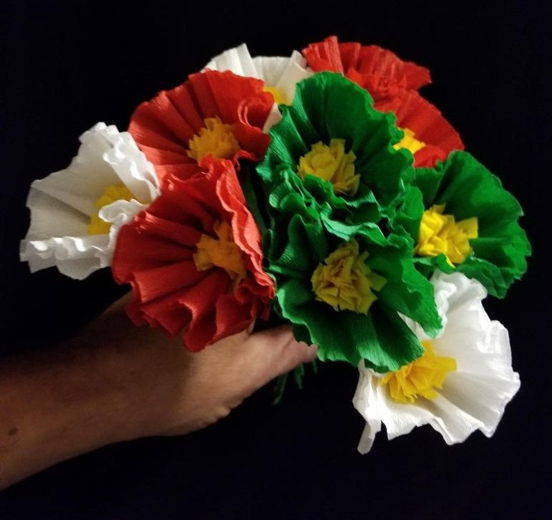 Green Poppy Christmas 10 Crepe Paper Poppies Fiesta Wedding Decorations Day of the Dead Mexican Flowers Red Cinco de Mayo