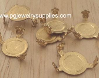 Turtle Settings 15x10mm Oval Closed Back with Fleur de Lis Brass 4 Pcs