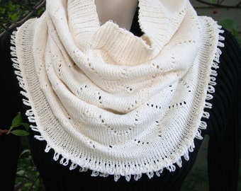 Infinity Scarf Neck Warmer Short Cream Colored Machine Knit Scarf Neck Warmer with Diamond Pattern