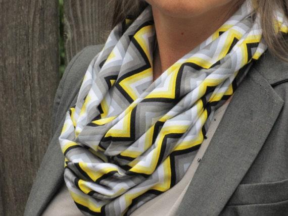 c070ec0e306e Couleurs gris jaune moutarde foulard lautomne foulard gris   Etsy