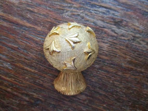 Roger Van S Large Gold Mushroom Brooch Signed Roge