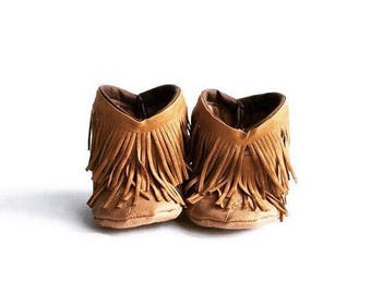 Fringe baby boots, Baby Moccasin Boots, Baby Fringe Booties, Shabby Chic Fringe Baby Boots, Booties, Fringe Baby Booties
