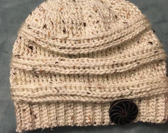 Crocheted Beanie with button