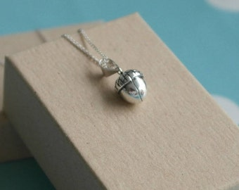 Acorn Necklace - Sterling silver acorn necklace - Silver acorn pendant - Acorn charm necklace - Autumnal necklace
