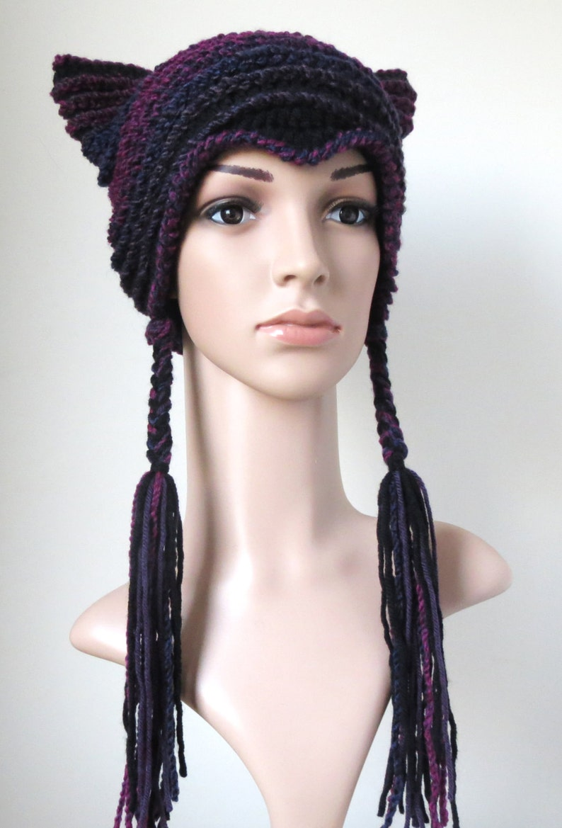 Cute Cat Lovers Gift Women/'s Kitty Beanie in Black and Purple