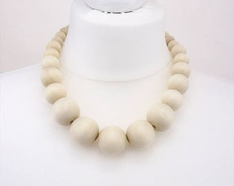 Ivory chunky necklace | Ivory bead necklace | wooden bead necklace