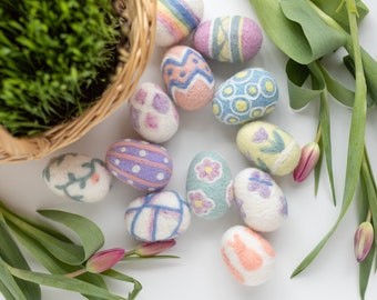 Easter Egg Party Needle Felting Kit - Spring DIY Family or Friends Craft Gift - beginner level with video tutorial