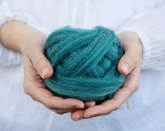 Wool Roving for Needle Felting, Wet Felting, Spinning or Weaving - 1 oz. Thyme, a teal bluegreen - Mauch Chunky Roving