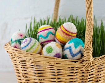 Easter Eggs Needle Felting Kit - beginner friendly - includes video instructions - DIY Spring Craft or Gift