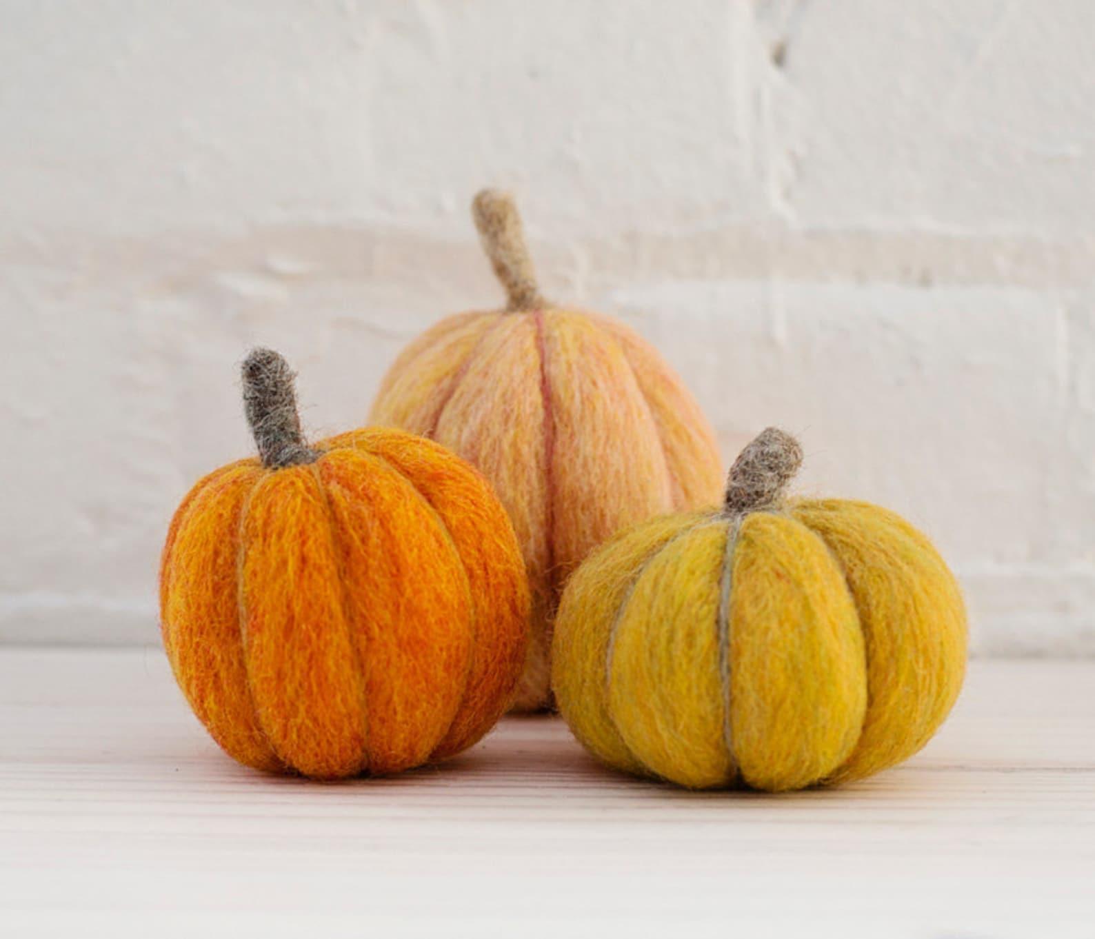 DIY felt pumpkins for Home Decor