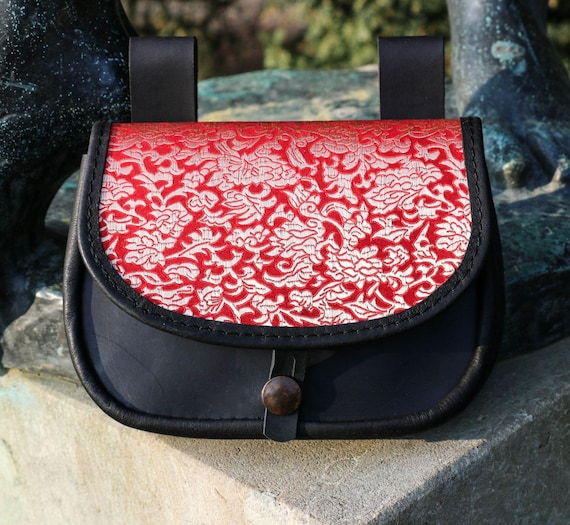 84398064c212 Médiéval ou Renaissance en cuir sac pochette pour ceinture   Etsy