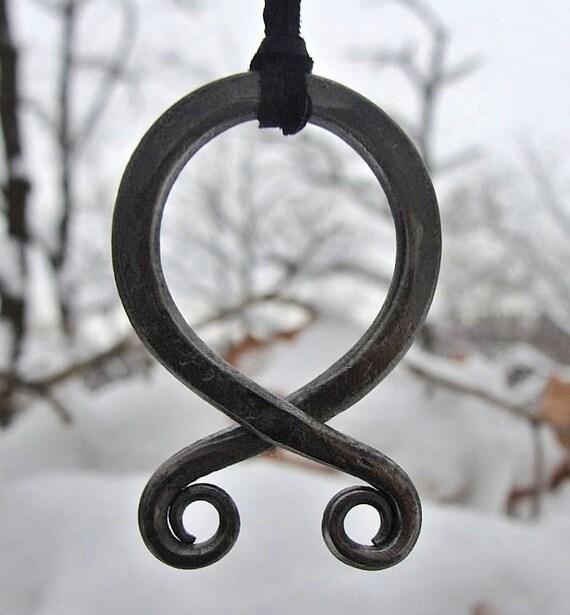 Trollkreuz Wikinger Amulett Halskette Kette Mittelalter Eisen Magie Anhänger